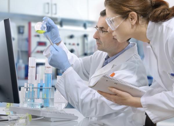 Doctors conducting research in a lab